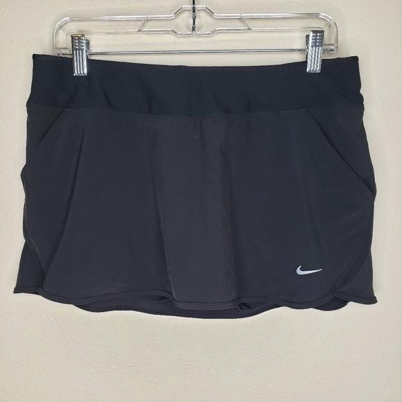 Nike NWT M black dri fit skort